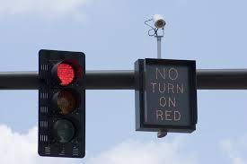 red light traffic violation oregon man sues over red light camera math digital trends