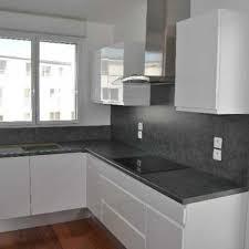 cuisine grise et impressionnant deco cuisine blanche avec decoration cuisine blanche