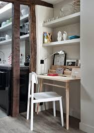 dans un bureau un aménagement bureau entre salon et cuisine