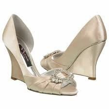 Comfortable Wedge Shoes Finding Comfortable Wedding Wedge Sandals For Lake Charles