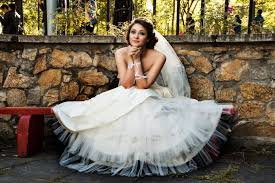 rent a wedding dress where to rent wedding dresses in barcelona shbarcelona