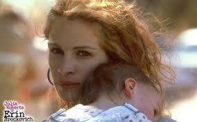 Canale 5 film stasera | Erin Brockovich - Forte come la verità | Julia Roberts - Stasera-in-tv-Erin-Brockovich-con-Julia-Roberts-su-Canale-5-7