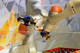 Seeking Robot Date Germany Seeks Alternative To Takeover Of Robot Maker Kuka