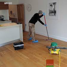floor professional cleaning scrubbing