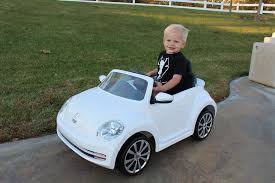 volkswagen car white vw bug ride on car u0026 lightning mcqueen power wheels race youtube