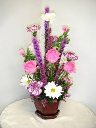 types of flower arrangements centerpieces featuring pink color flowers photo california