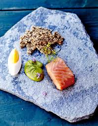 cuisiner le saumon fumé saumon fumé maison mayonnaise à l aneth pour 4 personnes recettes