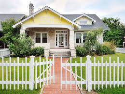picket fences 6 quaint houses for sale with white picket fences historic homes