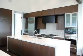 clean modern kitchen i love the clean modern look of this kitchen beautiful mahogany