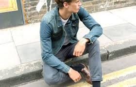 what to wear with grey jeans the idle man