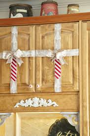 christmas kitchen decorating ideas simple christmas decorating ideas in the kitchen debbiedoos