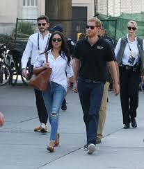 prince harry meghan rumor bust prince harry is not engaged to meghan markle extratv com