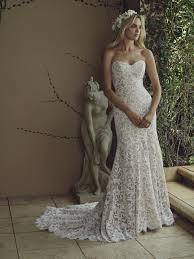 simple lace strapless dress but it totally slays the water lily