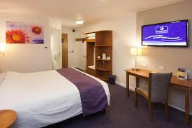 Premier Inn Glasgow South UK Bookingcom - Family rooms glasgow