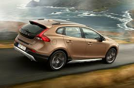 volvo v40 cross country review 2013 parkers