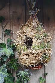 fabrication mangeoire oiseaux les 25 meilleures idées de la catégorie cabane oiseaux sur