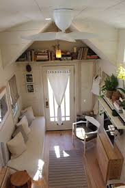 Cute Small Homes by Cute Living Space I Like The Bench Idea But Maybe A Back To It