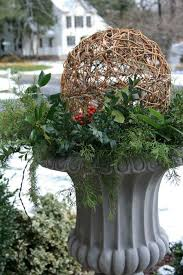 Very Large Christmas Decorations by Best 25 Christmas Urns Ideas On Pinterest Outdoor Christmas