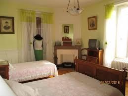 chambre fleurie les chambres du tonnelier chambres d hôtes beaujolais vignoble
