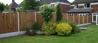 Types Of Fencing For Gardens - fixing garden fence panels to make your garden summer safe