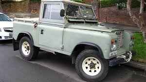 land rover series iii aussie old parked cars 1975 land rover series iii swb ute
