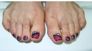 easy nail art for toes 9 simple and easy toe nail art designs for beginners