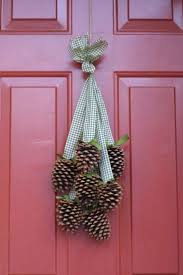 35 pine cone crafts to add a seasonal touch to your home