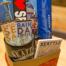 seattle gift baskets welcome to seattle deluxe gift basket simply seattle
