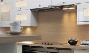 credence cuisine grise idee deco credence cuisine 3 quelle couleur mettre avec une