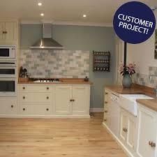 cream kitchen tile ideas cream gloss tiles would stick to one colour on the splashback