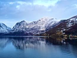 why you should do norway in a nutshell in winter flirting with