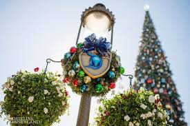 Good Morning America New Years Eve Decorations by Your Guide To New Year U0027s Eve 2016 At The Disneyland Resort