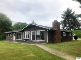 Rambler House 100 Rambler Home Updated Rambler With Indoor Arena On 2 5