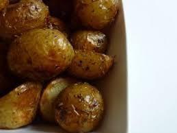 cuisiner les pommes de terre de noirmoutier pommes de terre de noirmoutiers au four recette ptitchef
