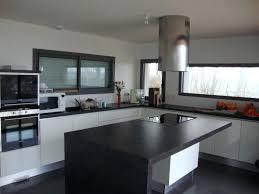 chemin de cuisine photo hotte de cuisine centrale ilot chemin c3 a9e 201212211738238l lzzy co