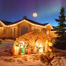 decorations decorating outdoor nativity sets for