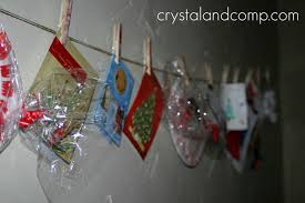 how to use clothespins and twine to display art work and christmas