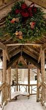 Rental Christmas Decorations Outdoor by Best 25 Log Cabin Christmas Ideas On Pinterest Log Cabin
