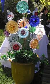 truly easy and low budget diy garden art flowers fall home decor