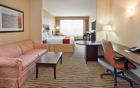 Comfort Suites Gallup New Mexico Holiday Inn Express Gallup Nm Booking Com