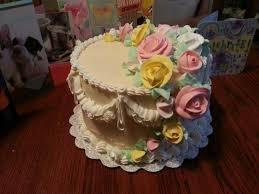 wedding cake roses cake decorating cascading roses on a wedding cake