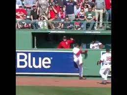 mookie betts robs bryce of a home run sox 2015 home