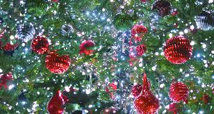how many christmas lights per foot of tree how to string lights on a christmas tree christmas vill