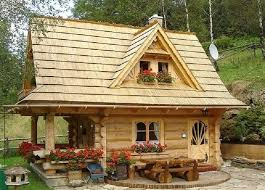 small cottages tiny log cabin even cuter on the inside country living