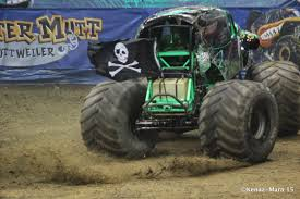 grave digger the legend monster truck chiil mama flash giveaway win 4 tickets to monster jam at
