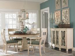Moultrie Park Round Dining Table By Bassett Furniture - Bassett dining room