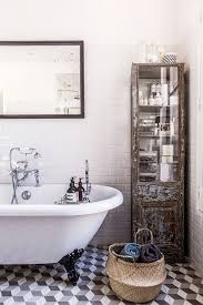 Bathroom Decorative Ideas by Best 25 Paris Bathroom Decor Ideas Only On Pinterest Paris