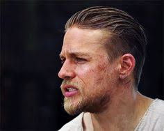 how to get thecharlie hunnam haircut charlie hunnams hair on convention centre houston tx and brown