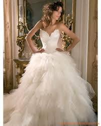 robe de mari e de princesse de luxe robe princesse en satin et tulle multi couches ornée de broderies