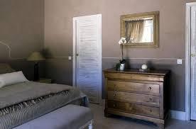 chambre provencale chambre à l esprit provençal dans des tons doux avec peinture